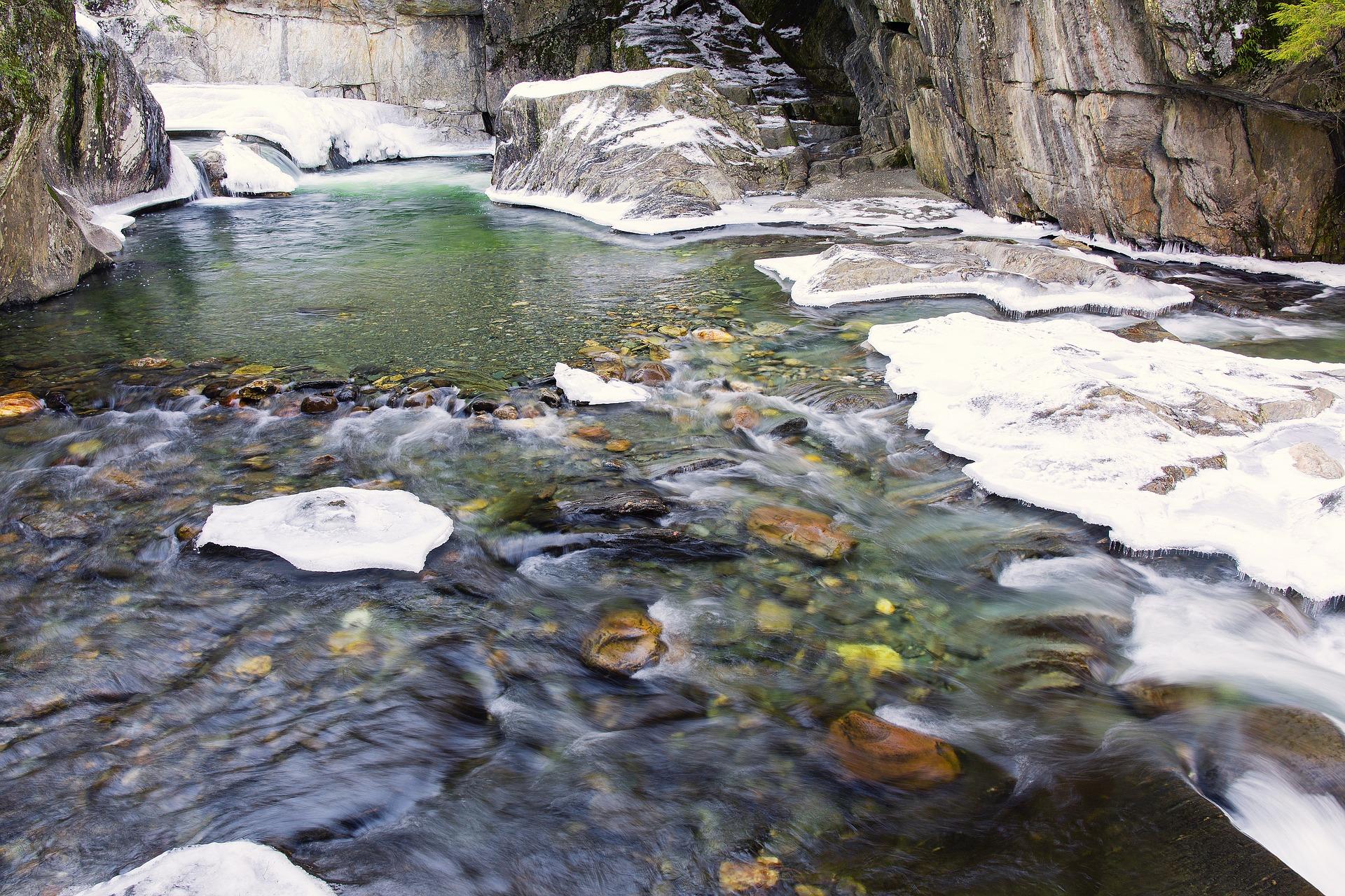 warren-falls-1935615_1920