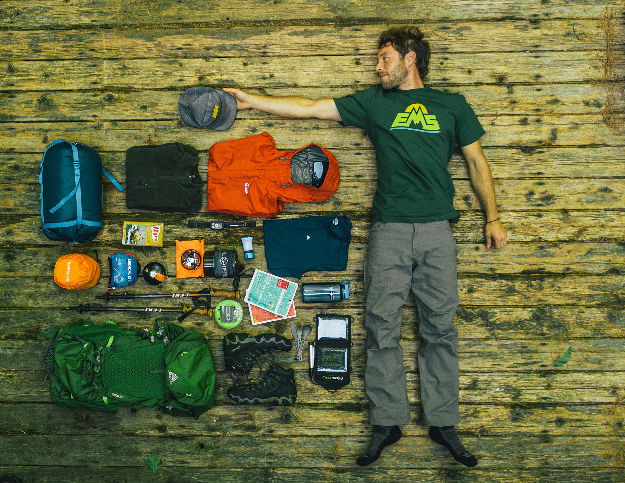 20190725_EMS_Conway-0684_Cabin_Pack_Prep_-Gear_GraphicTee